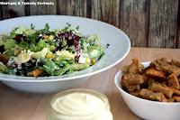 Σαλάτα Ceasars με μπέικον μελιτζάνας, sour cream από κάσιους και κρουτόν σκόρδου - by https://syntages-faghtwn.blogspot.gr