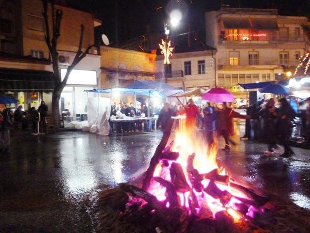 Αφθονία κρασιού, τσιγαρίδων αλλά και βροχής στη γιορτή της γουρουνοχαράς στο Άργος Ορεστικό