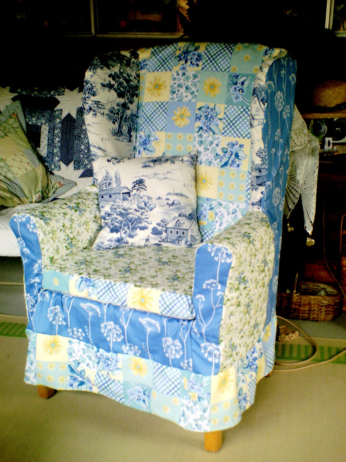 Crafty Home Cottage: Wingback Chair Slipcover/Going It
