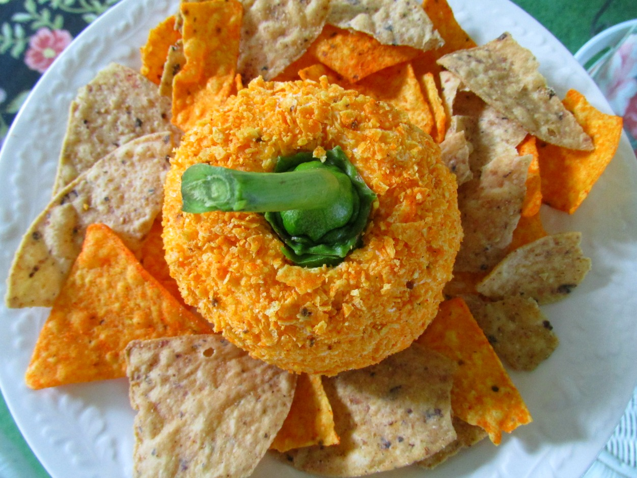 Easy Pumpkin Cheeseball