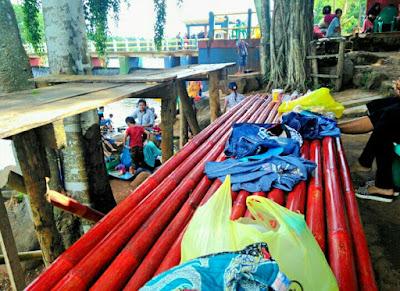 Tempat makan di warung danau kemuning