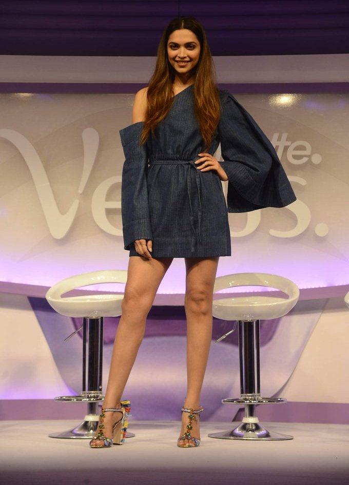 Deepika Padukone Hot Legs Thigh Stills In Mini Blue Dress