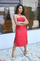 Mamatha sizzles in red Gown at Katrina Karina Madhyalo Kamal Haasan movie Launch event 094.JPG