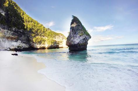 Tempat wisata pantai suwehan di nusa penida