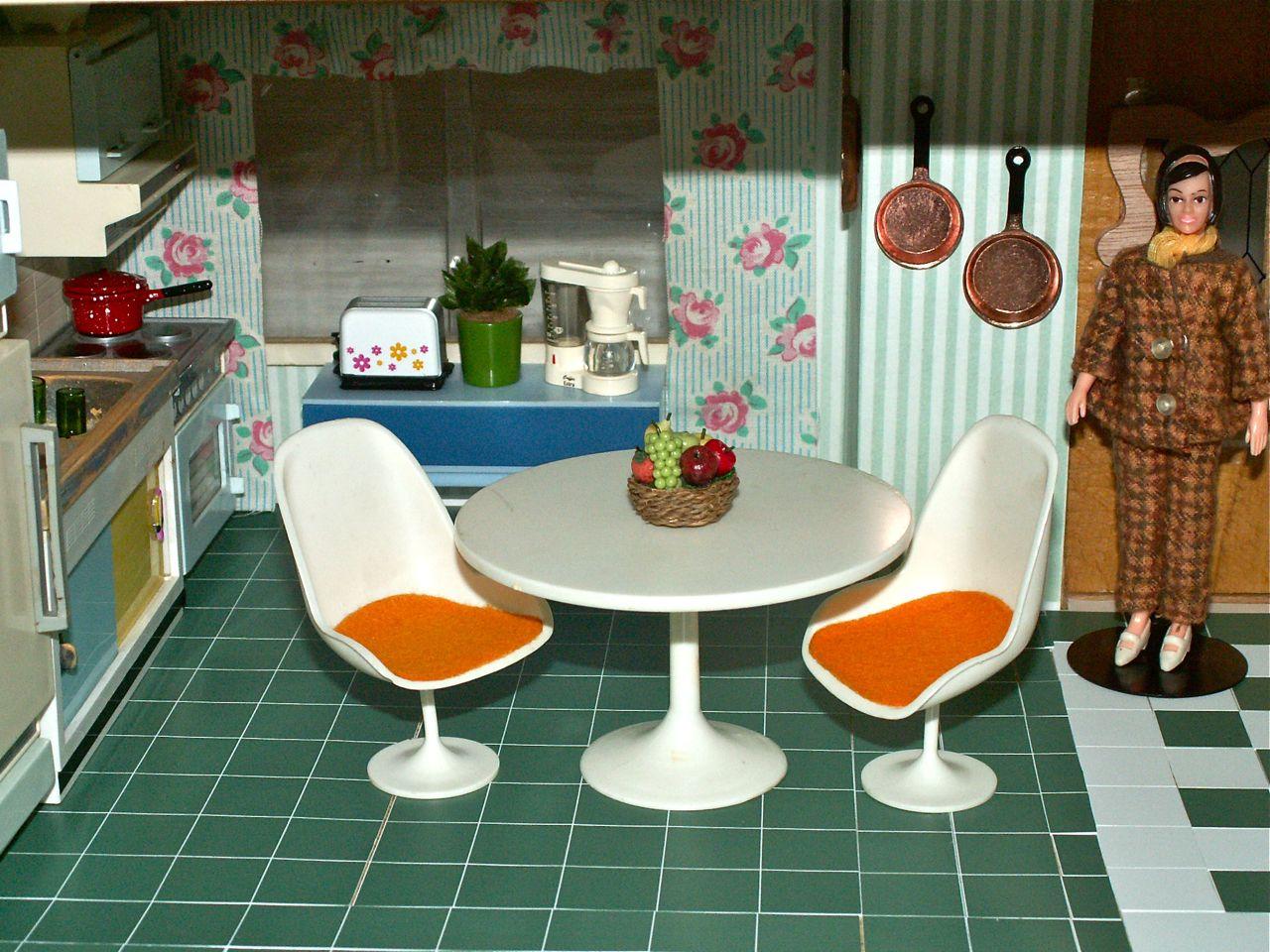 ggsdolls: Modella 1960s Dining Room Set?