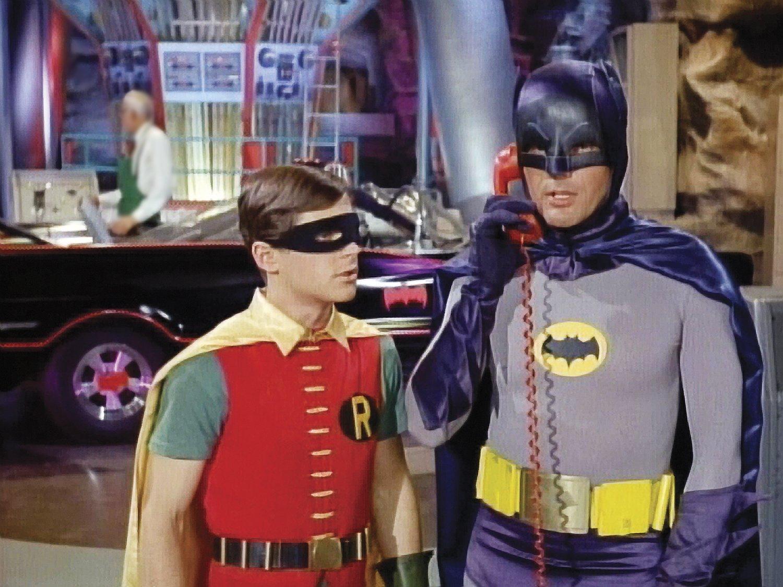 El dúo maravilla de los 60s distó mucho del oscuro espectro que hace al origen del Caballero Oscuro
