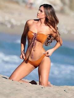 Sammy-Mitchell-in-Bikini--01_celebsnext.xyz.jpg