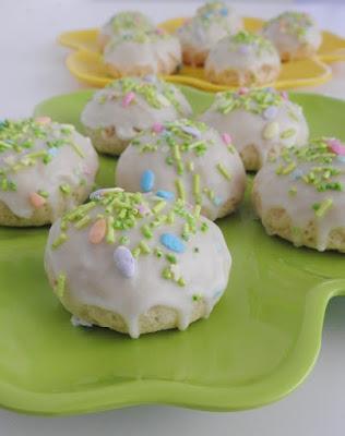 Lemon cookies with sprinkles