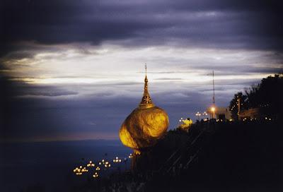 Kyaiktiyo Pagoda Golden Rock