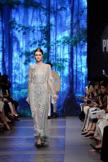Sana-safinaz-new-style-the-last-of-the-night-plbw17-collection-6