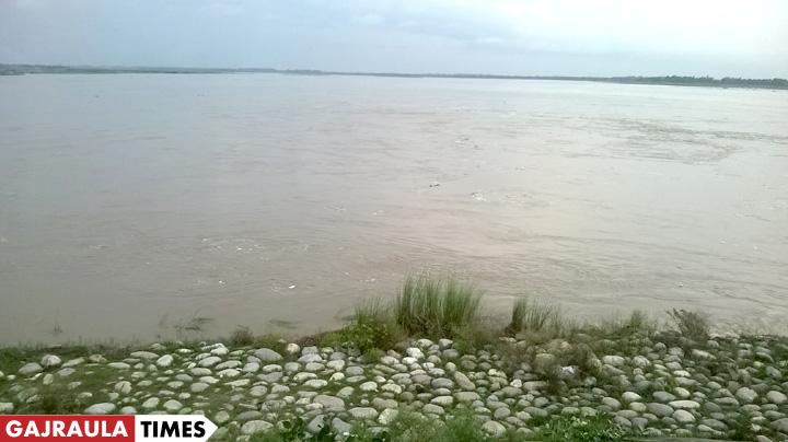 ganga-flood-gajraula-tigri