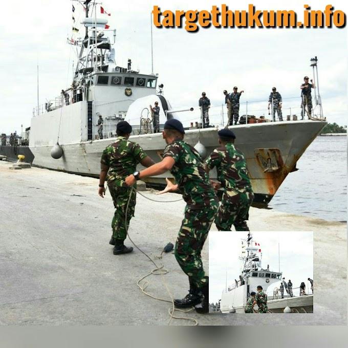 Kapal Perang Republik Indonesia KRI Todak 631 Sandar Di Dermaga Dwikora Pontianak