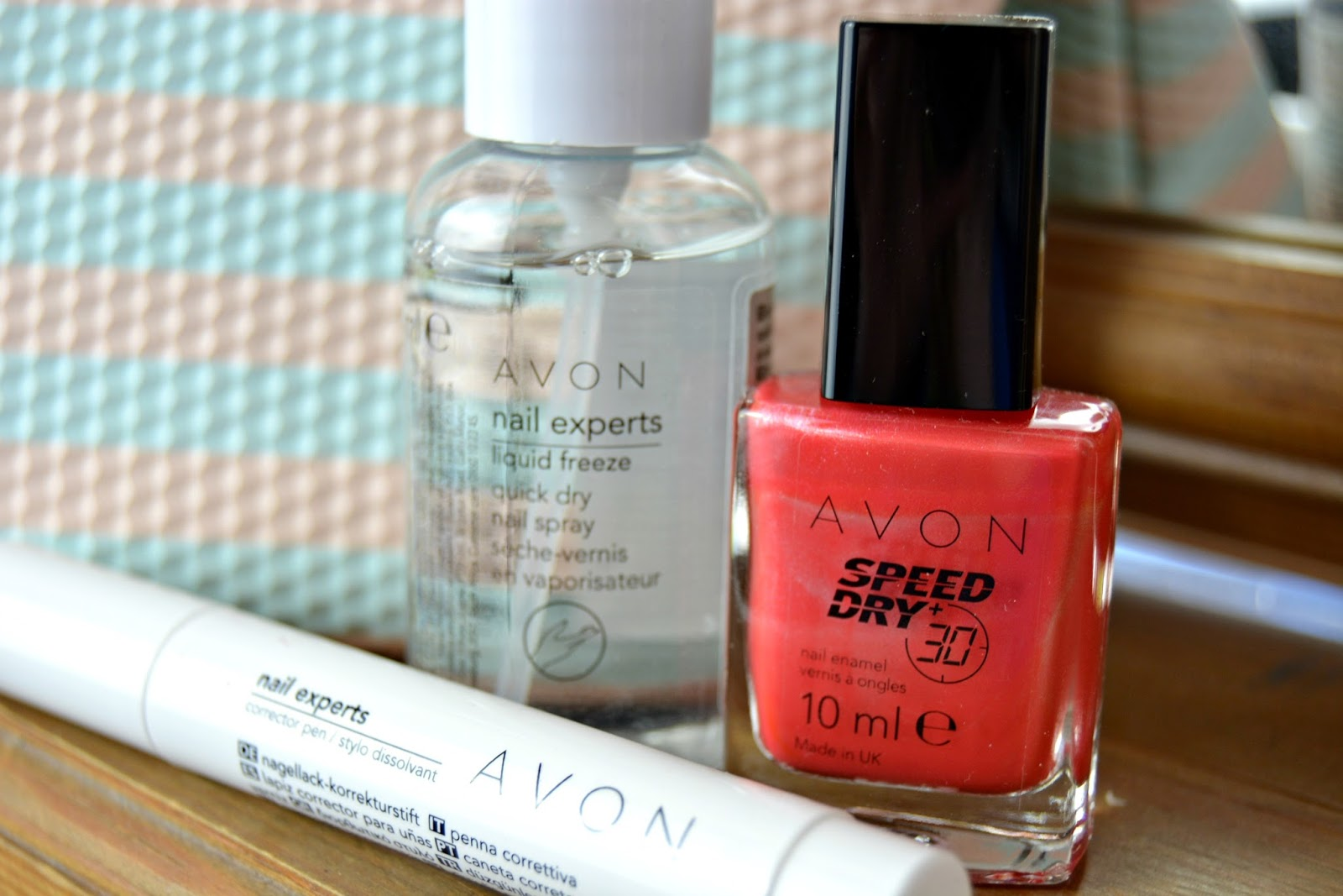 avon, cosmetics, nail, experts, beauty, make up, nail care, nail experts, nail enamel, nail varnish, paint