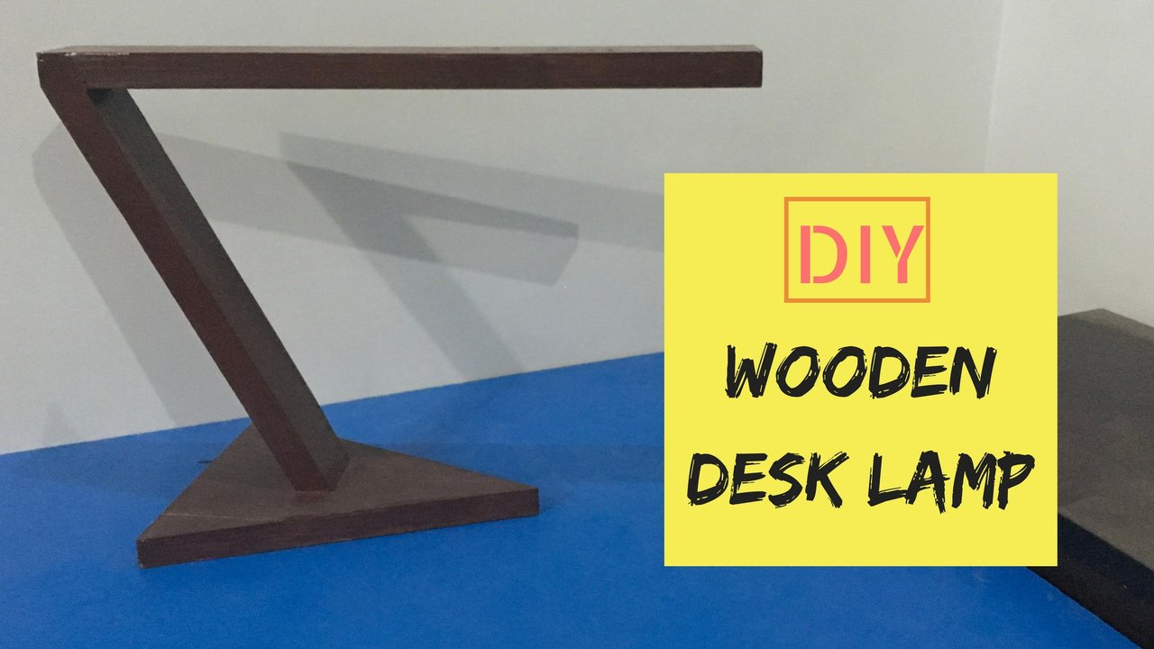 Wooden Desk Lamp | David Show