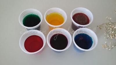 Vasos con tinte para teñir paniculata