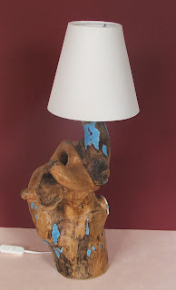 création d'un luminaire par l'artiste séverine peugniez tout l'univers créatif