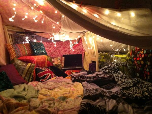 Build An Epic Blanket Fort