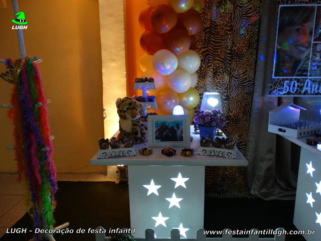 Mesa decorada da Oncinha - Festa infantil de meninas