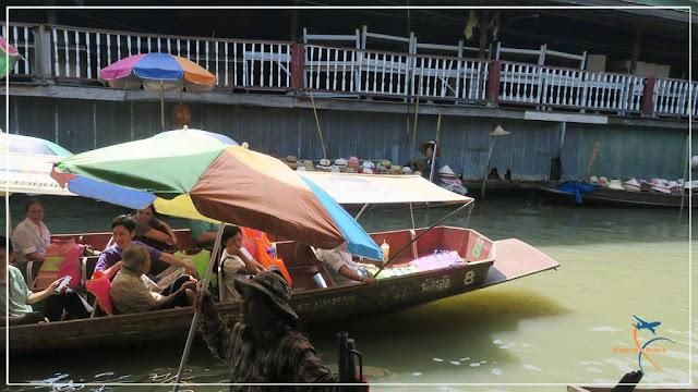 Mercado Flutuante de Bangkok, na Tailândia