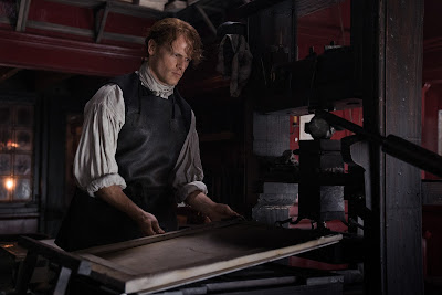 A. Malcolm, antes de su reencuentro con Claire, en la tercera temporada de Outlander