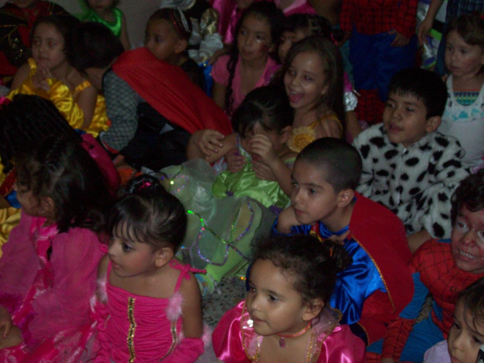Payasos en medellin celebracion dia del ni o en jardines for Cascanueces jardin infantil medellin