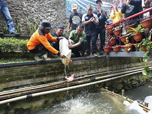 Yossi Irianto resmikan Teras Cirateun Bandung