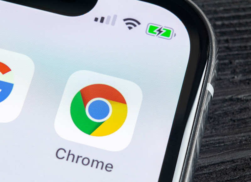 Google Chrome is working to fix the 'white flash' glitch between web pages