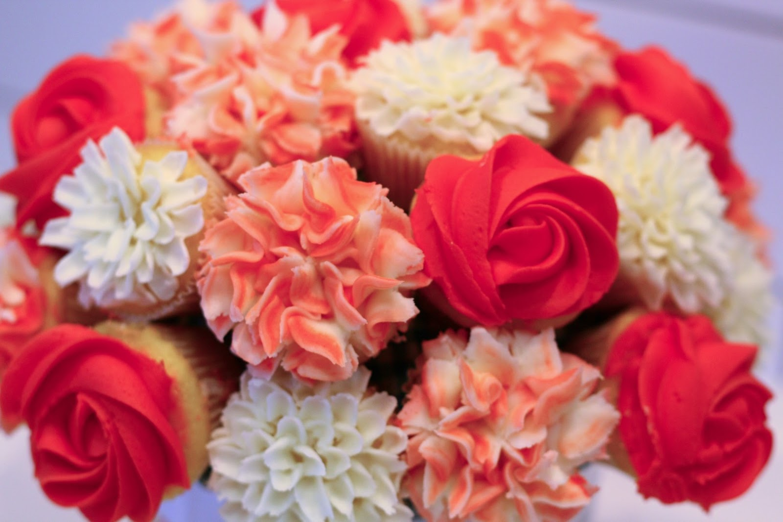 Patty Cakes Bakery: Valentine\'s Day MiniCupcake Bouquets