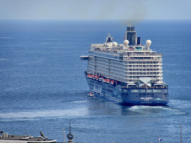 the cruise ship Mei Schiff 5 debuted in Madeira a few weeks ago