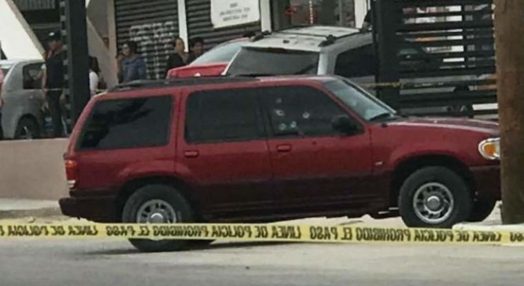 Comando armado ejecuta a un hombre y hiere a otro en Cabo San Lucas
