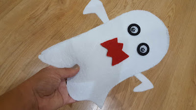 DIY scary ghost hand puppet