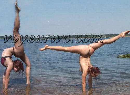 Nude Gymnastics 10-13 (Flexible girls doing naked gymnastics. Nude gymnasts expose sweetest spots of theirs)