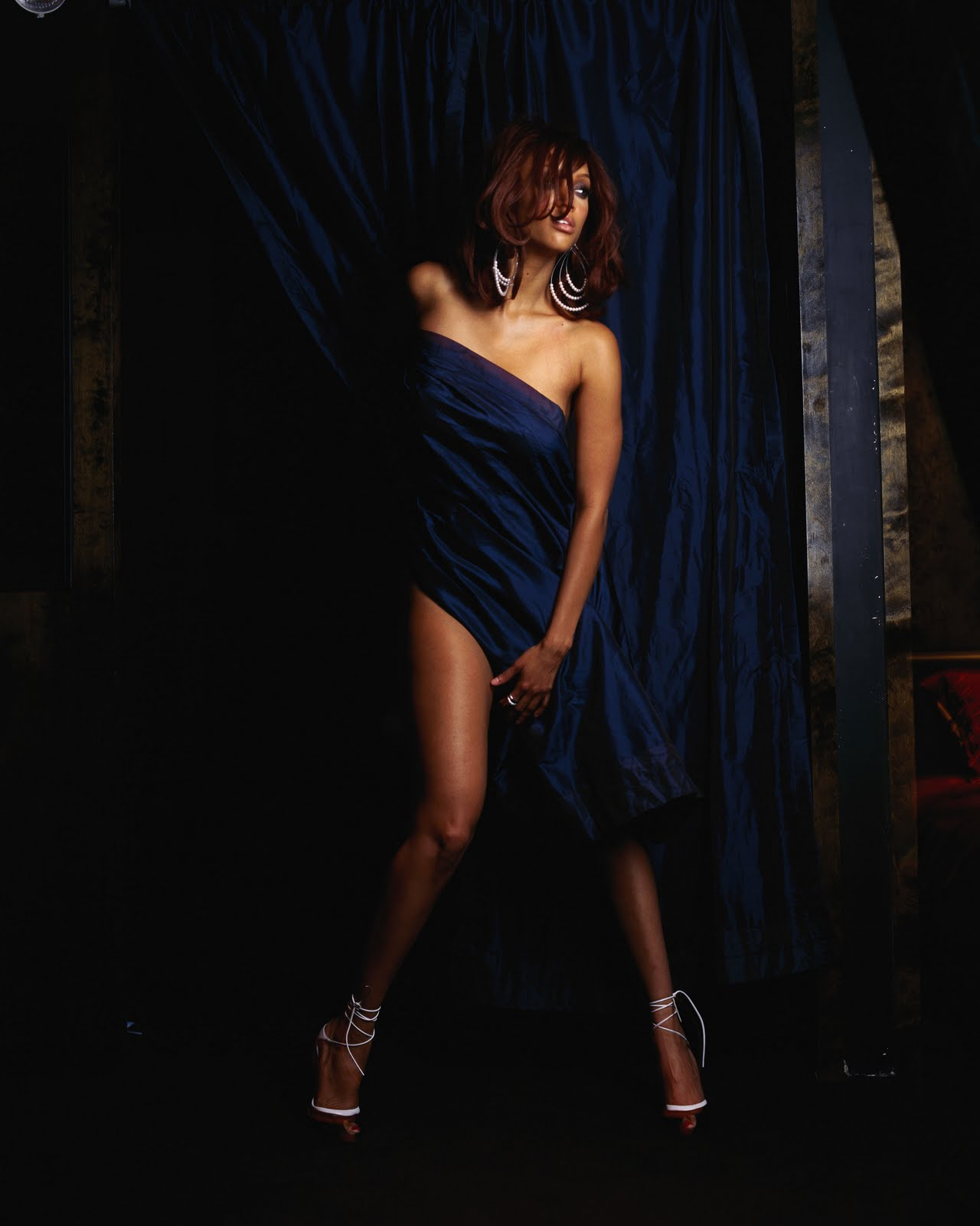 37 Best Photo Stills 1974 And 2013 Movie Versions Of The: Tyra Banks Photo Shoot For King Magazine