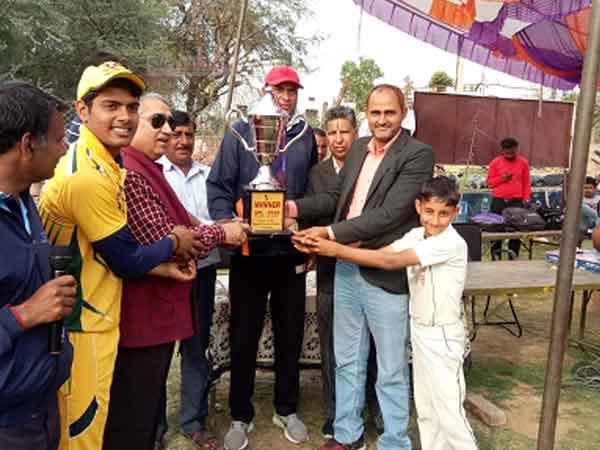 पैंसठ हजार के खिलाडी ने एसपीएल प्रतियोगिता ने बनाए कुल पाँच रन