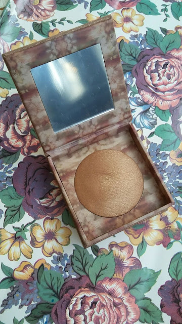 Urban Decay Naked Illuminated Shimmering Powder Review and Swatches