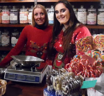 Brigg Christmas Lights switch on 2016, market, fair & late night shopping - picture 13 on Nigel Fisher's Brigg Blog