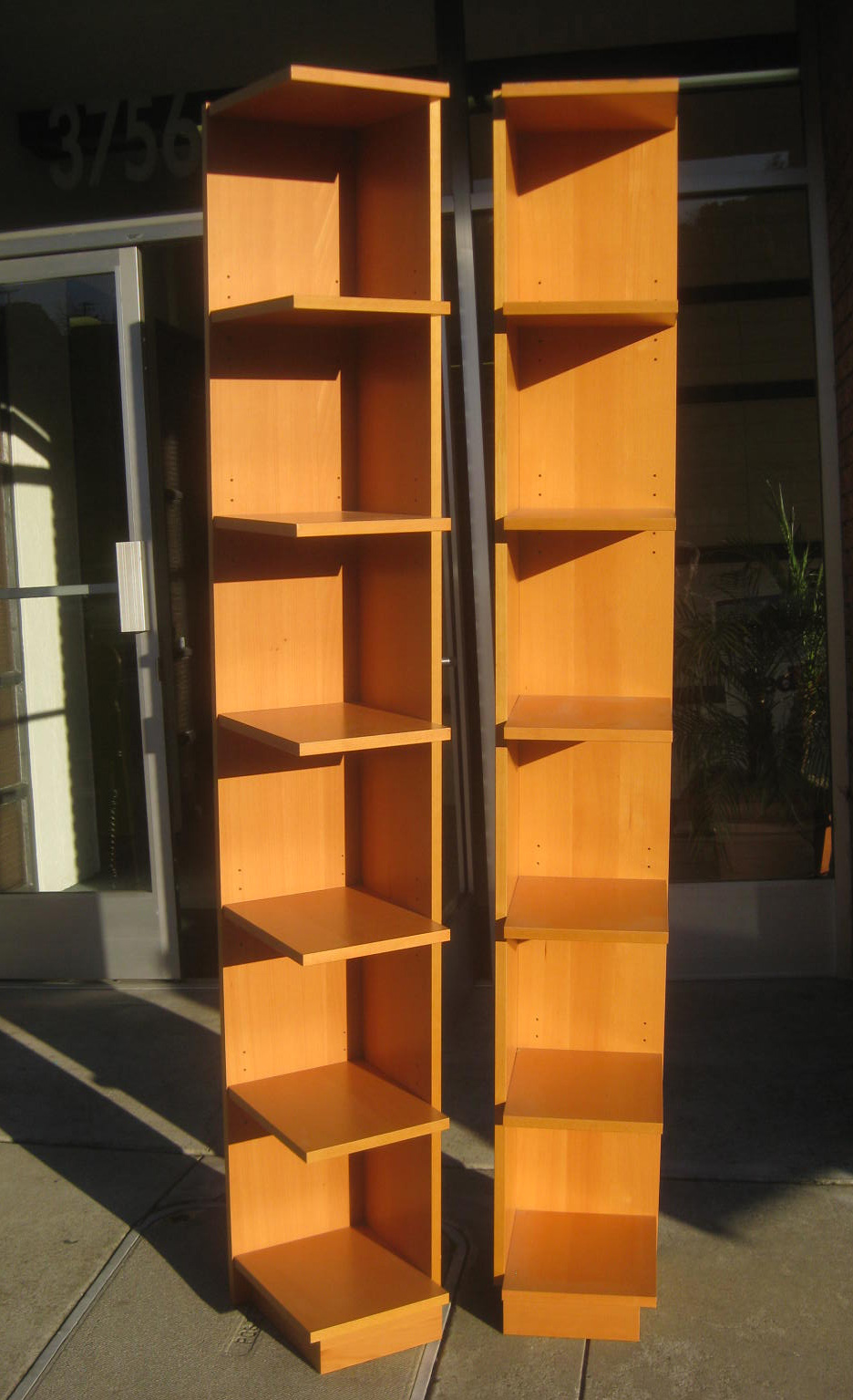 Uhuru Furniture Amp Collectibles Sold 80 Quot Tall Corner