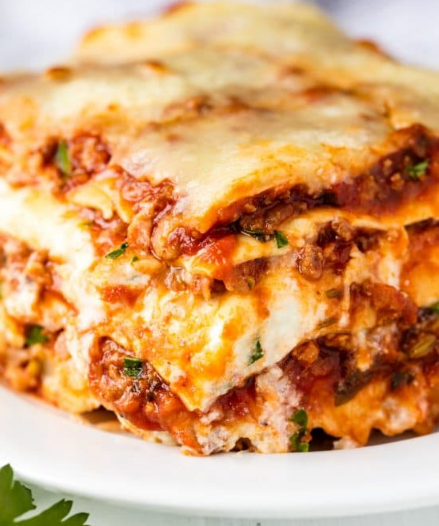 The Most Amazing Lasagna Recipe #eathealthy #lasagna