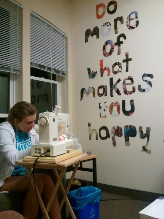 Dorm Room DIY and Crafts: Wall Art