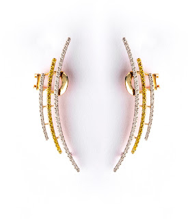 Aurelle by Leshna Shah introduces the exquisite range of Ear Cuffs & Palm Cuffs