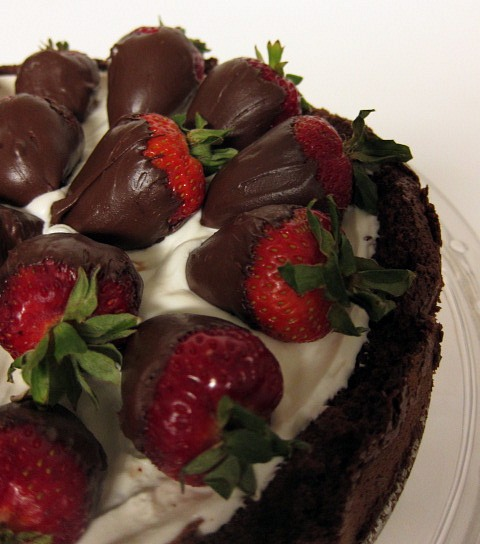 Strawberries Cream Torte Recipe: SwEEts By E: Oma's Flourless Chocolate Torte