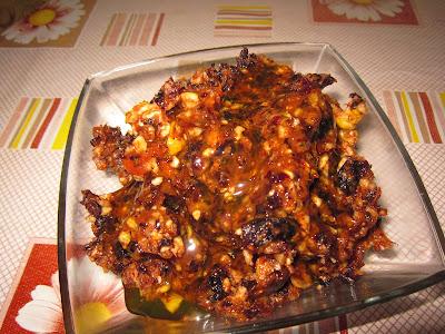 Сухофрукты и орехи с медом