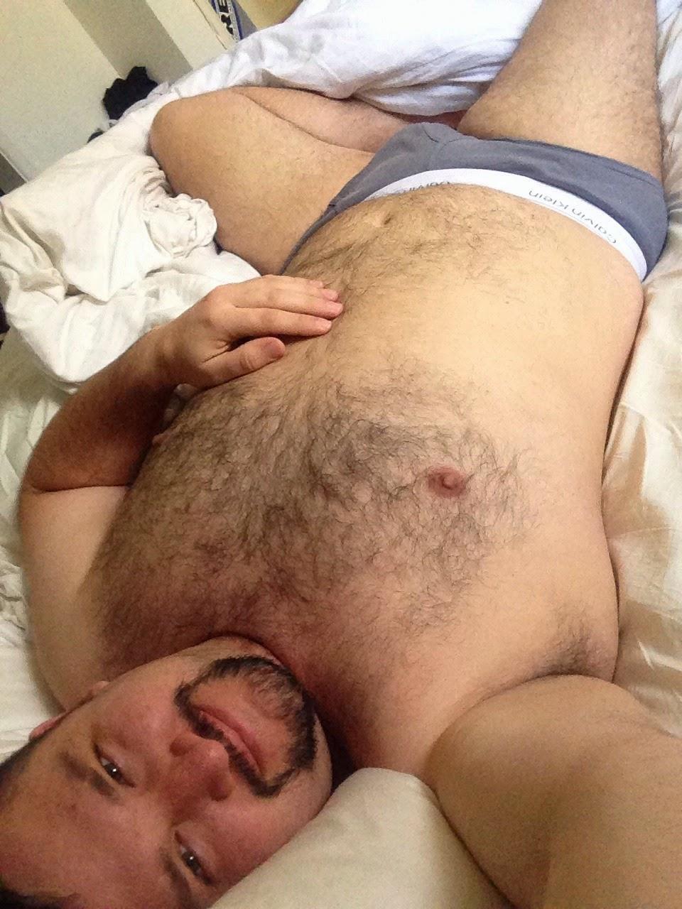 Homens nus maduros gordos peludos