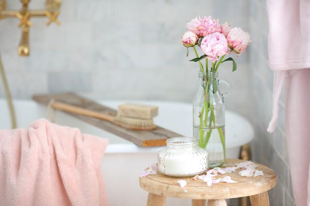 Simple Summer bathroom refresh
