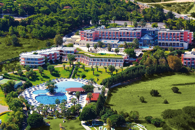 The 4 stars Kresten Palace Hotel built in modern style combined with traditional Rhodian architecture surrounded by 60.000 m2 extensions, offers 285 fully-equipped rooms. Last renovation: winter 2007-09. All rooms include private facilities, balconies or terraces with magnificent view