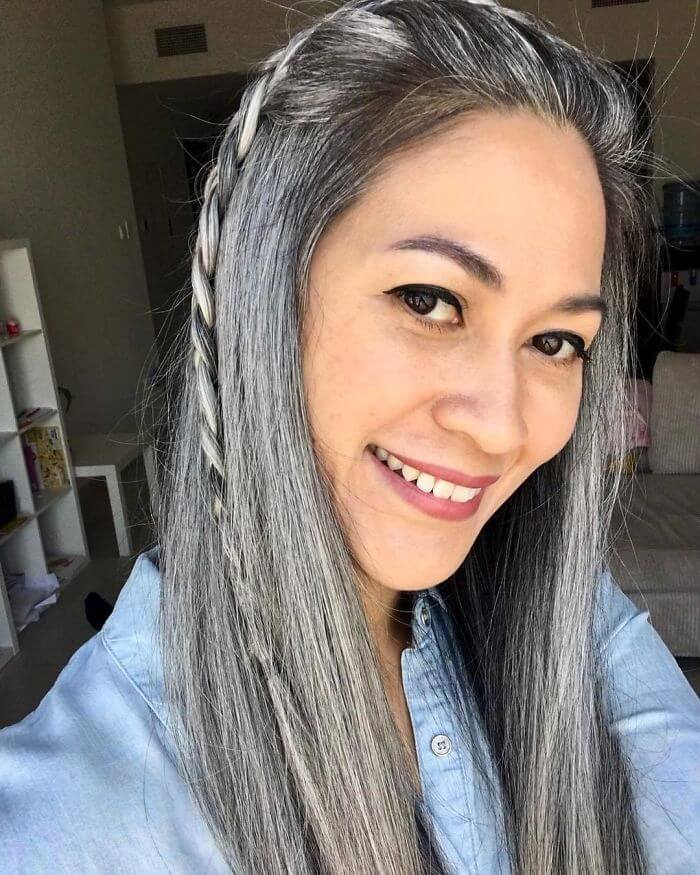 50 Women Who Didn't Dye Their Gray Hair And Still Look Gorgeous