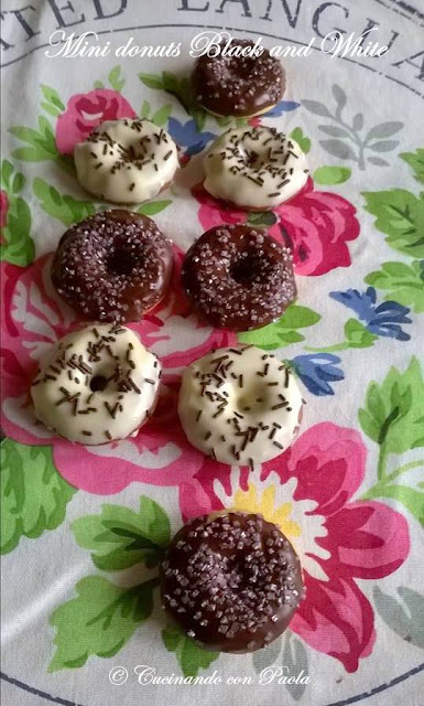 mini donuts black and white