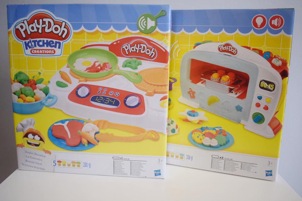 Last week we were sent two of the newest Play-Doh Kitchen Creations sets the Magical Oven and the Sizzlinu0027 Stovetop. & Play-Doh Creations // Magical Oven u0026 Sizzlinu0027 Stovetop Review ...
