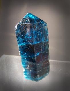 Đá quý Apatite xanh dương công dụng và ý nghĩa