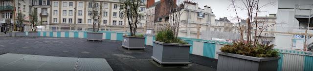 La nouvelle palissade du chantier de la Place Saint-Germain...